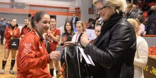 Јована Мицевска за Вардарфанс:Наградата ја споделувам со моите соиграчи и тренери.
