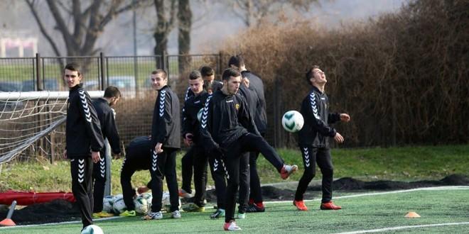 Младите генерации на Фк Вардар, денес го имаа својот прв тренинг