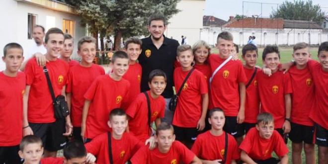 """Фк Вардар """"генерација 2002"""" го освои традиционалниот турнир во Кочани"""