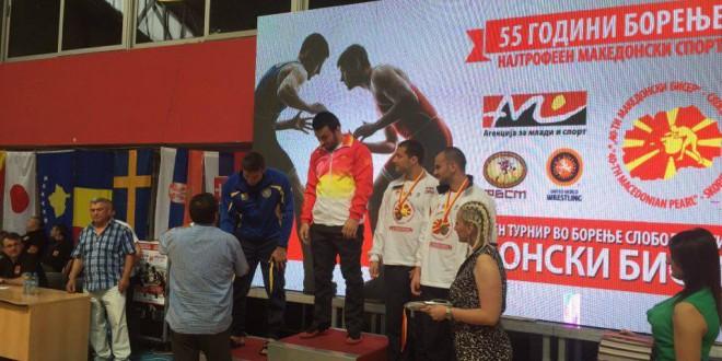 """(Фото) Борење: Вардарецот Магомедгаџи Нуров победник во категоријата до 97кг на  јубилејното 40-то издание на """"Македонски бисер"""""""