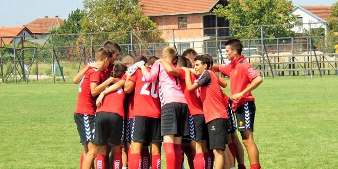 Пионерските екипи на ФК Вардар со победа и пораз во дуелите со А. Пандев