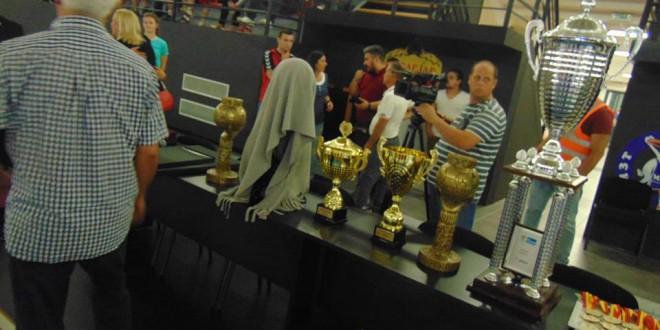 Се е подготвено за големото славје, сите четири трофеи се тука