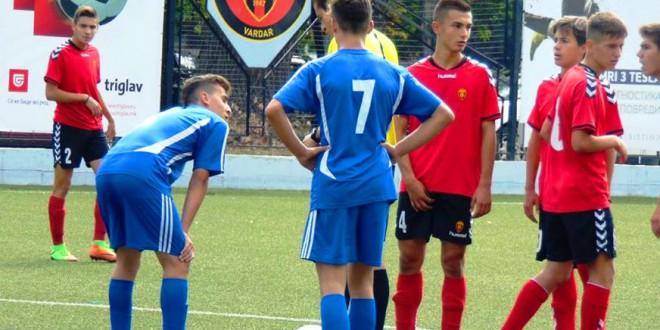 Пионерите на ФК Вардар и Шкупи одиграа реми во дербито