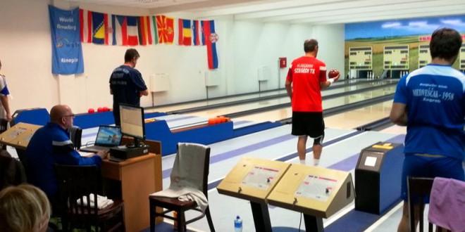 Куглање: Димитровски и Влаќевски играа во финалниот дел од турнирот во Бачка Топола  (ФОТО)