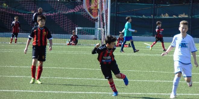 """Победи за сите три Вардарови генерации, на денешниот турнир во фудбалската """"Јунор"""" лига, кој беше одигран во Штип"""