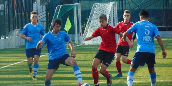 Пом.пионери на ФК Вардар не даваат бодови, ниту два гола предност не им доволни на А.Пандев да ги победат црвено-црните, кои стигнаа до својот 12-ти триумф