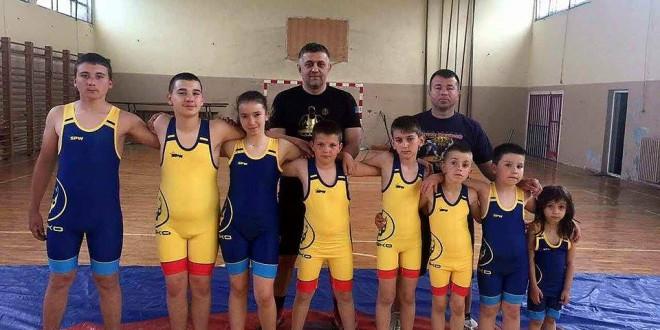 """Борење! Вардар со своите надежи денес и утре ќе настапи на меѓународен турнир во Белград, """"Победник"""" за деца и кадети"""