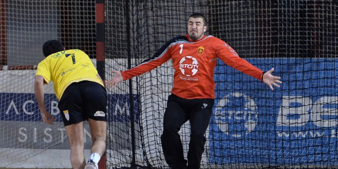 Голманот на Вардар Јуниор, Никола Кизиќ дополнително вклучен во Македонската сениорска репрезентација