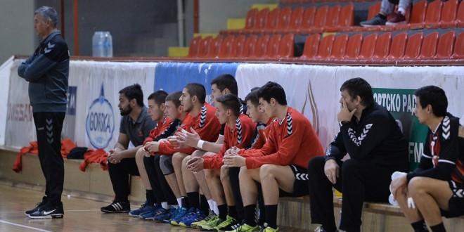Четворица играчи на Вардар, дел од кадетската ракометна репрезентација, за претстојниот турнир во Романија