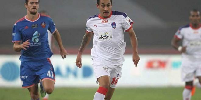 ВИДЕО: Кој е Густаво, новиот фудбалер на Вардар?