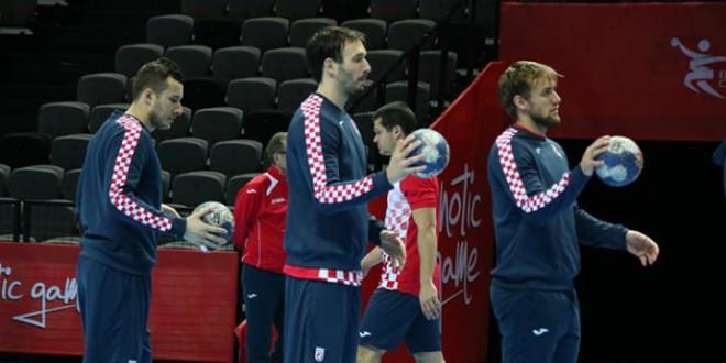Чупиќ се враќа на едно големо натпреварување за Хрватска, Циндриќ и Карачиќ исто така дел од ЕП кое стартува денес