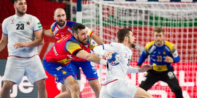 Кањелас постигна три гола во победата на Шпанија, на првиот нивни меч на ЕП