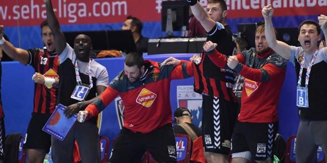 (ФОТО) Марсениќ им посака среќа на Стоилов и Поповски, кои денес со Македонија го играат првиот меч на ЕП