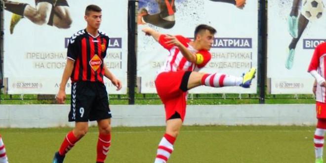 (Фотогалерија)  Младинците на ФК Вардар лесно ја совладаа Ренова