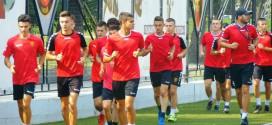 (Фотогалерија) Златко Таневски тргна со подготовки за новата сезона, со кадетите на ФК Вардар