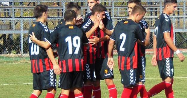 Три победи и еден нерешен резултат за вардаровите екипи во дуелите со Ренова