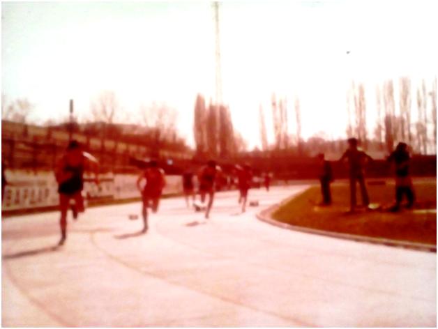 Трајковски Момчило (лево) на натпревар во Скопје