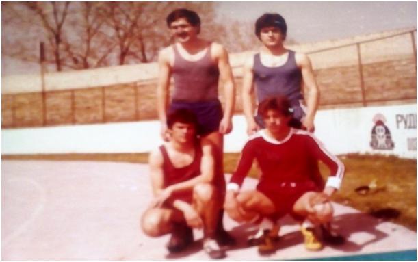 Трајковски Момчило и Сачевски Сокол (стојат), Саздовски Ацо и Мачев Исмаил (долу)