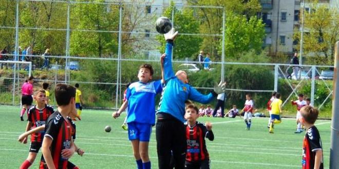 (Фотогалерија) Нови убедливи победи за ФК Вардар генер.2008