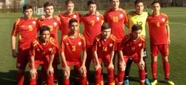Четворицата вардарци со успешни настапи за фудбалската селекција до 15 години, кои одиграа контролни дуели со Словенија