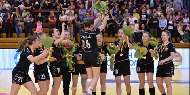 """Шампионки на срцата!!! ЖРК Вардар го освои """"среброто"""" во Купот и срцата на вардаровата и спортската јавност"""