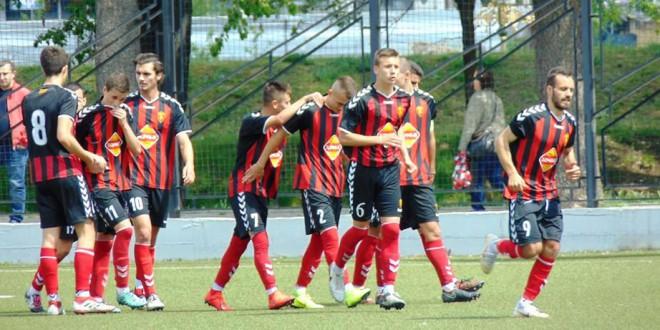 Младинците на ФК Вардар со најмногу победи и постигнати голови, додека пом.пионери со најдобра одбрана