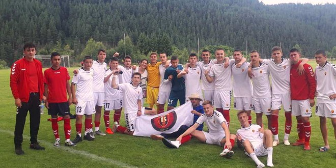 Гео ја реши Стеауа Букурешт, пионерите на ФК Вардар со втора победа на турнирот во Бугарија се пласираа во полуфиналето