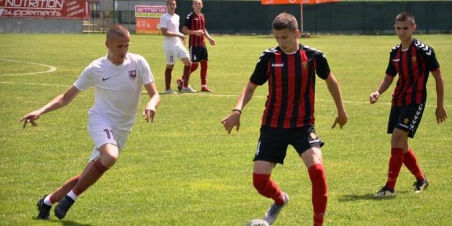 Шест играчи од ФК Вардар, на тренинг кампот во Дојран, со репрезентацијата до 17 години