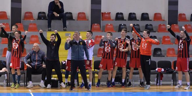 Во сабота, Вардар Јуниор ја отвара сезоната во Супер Машката Лига, со гостување кај тимот на Радовиш