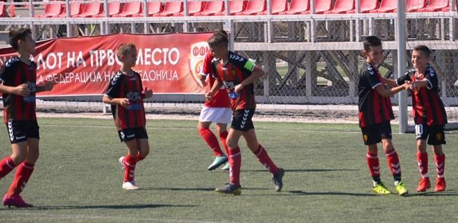 Генерациите 2007 и 2008 на ФК Вардар во четврток ќе гостуваат на Реал Ниш