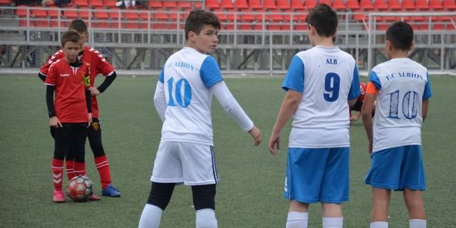 Со доминантна игра ФК Вардар ген.2007 ја совлада екипата на Албион