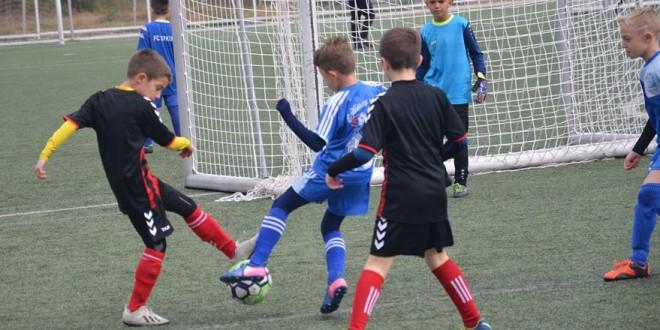 (ФОТО) ФК Кул поуспешен од Вардар ген.2011 во Детската лига