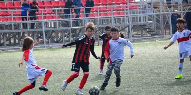 (Фотогалерија) ФК Вардар генер. 2009 со висок триумф го заврши есенскиот дел од сезоната