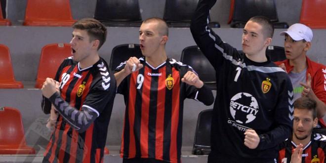 Момците на Петрушевски ја оправдаа фаворитската улога, Вардар Јуниор стигна до рутински триумф против Струга