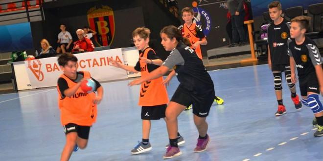 """(ФОТО) Одиграни првите натпревари во новото коло од ракометната """"Јуниор Лига"""""""
