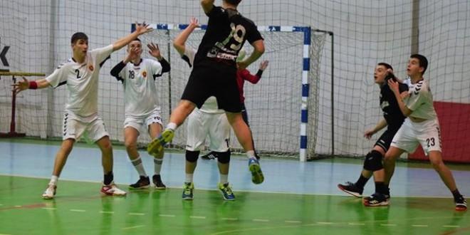 Пик Сегед доби ракометна лекција од момците на Зенга, пионерите на Вардар триумфираа со 13 гола повеќе