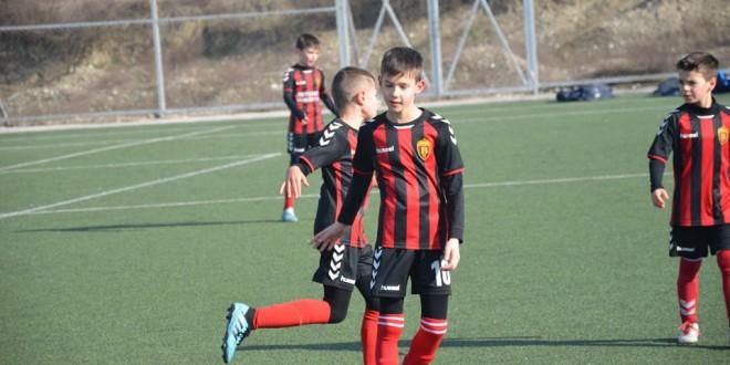 (Фотогалерија) Две победи за ФК Вардар генер.2010 во првото пролетно коло од детската лига