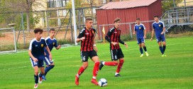 Пионерите на ФК Вардар го победија Њу Старс, кадетите одиграа без голови, на контролни натпревари