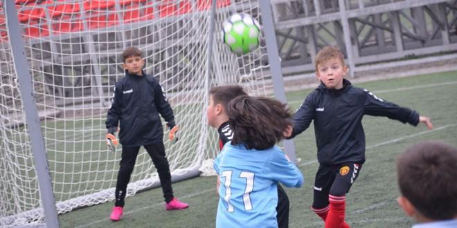 Генерација 2011 на ФК Вардар со два порази во денешното коло од детската лига