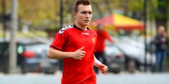 Анатолиј Петејчук потпиша професионален договор со ФК Вардар