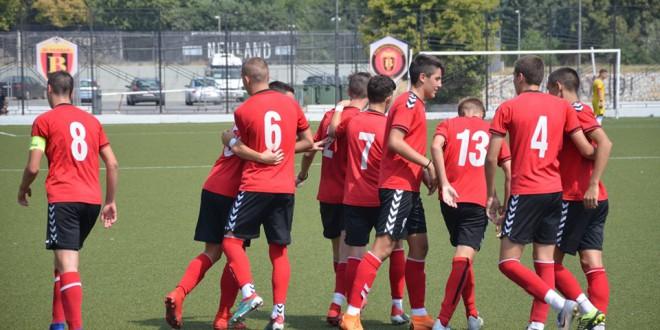 Кој се погодуваше за пионерите на ФК Вардар, двајца играчи се одвојуваат на врвот