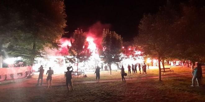 (ФОТО) Комити со факели ја одбележаа 12.титула на ФК Вардар
