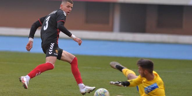 """Вардар """"промовираше"""" уште еден """"бисер"""", Андреј Стојчевски на 17 години имаше одлично деби за првиот тим"""
