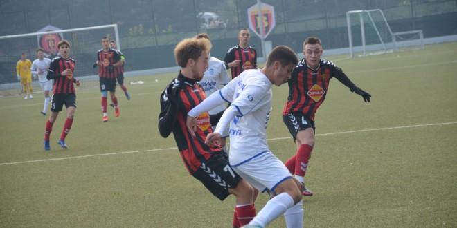 Младинците на ФК Вардар се елиминирани од Купот, Њу Старс подобар во 1/4 финалниот дуел