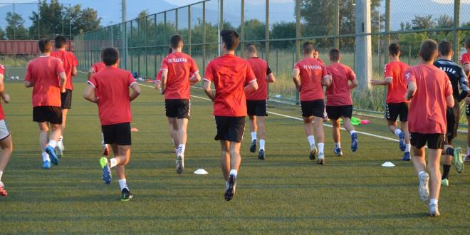 Половичен успех за пионерските екипи на ФК Вардар на гостувањето во Ѓорче
